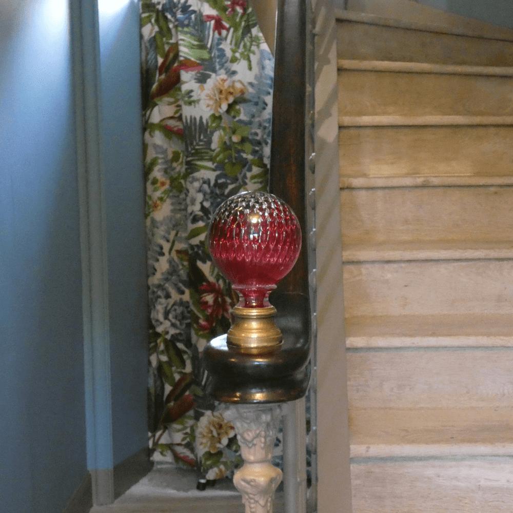L'escalier de La Maison Bès qui mène au étages.
