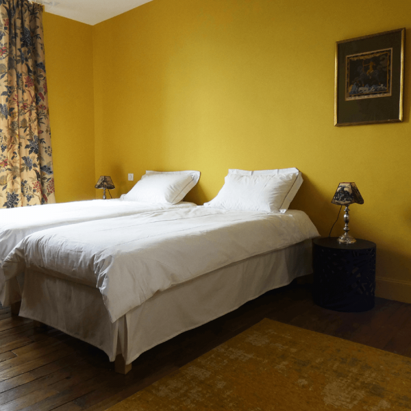 La chambre jaune à La Maison Bès