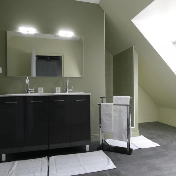 La salle de bain attenante à la chambre des combles.